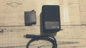 GoPro「デュアルバッテリー・チャージャー」効率的に充電するのに便利