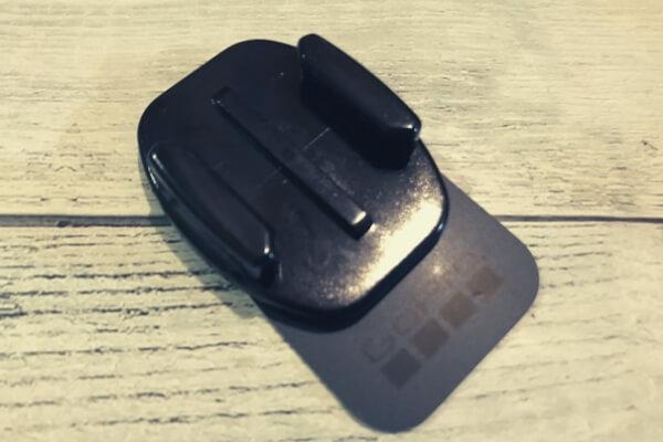 交換用粘着シートを貼り付ければ、再び楽器に貼り付けることができる