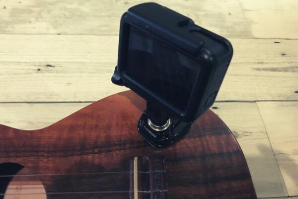 スイベル式マウントは、GoProの向きを簡単に変えられる