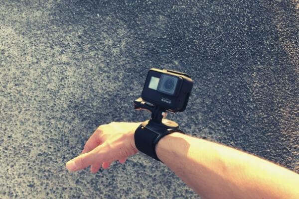 GoProをリストストラップで装着
