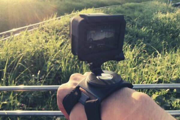GoProをハンドストラップで装着